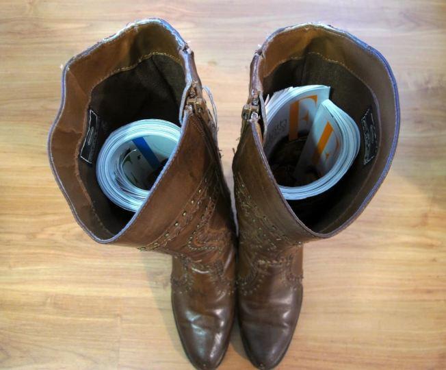 Kết quả hình ảnh cho keep boots from slouching