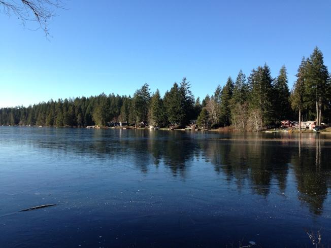 住在湖邊,最期待的就是夏天來臨。