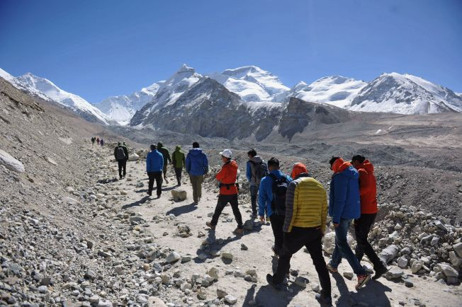 常運動多爬山有益健康。(新華社資料照片)