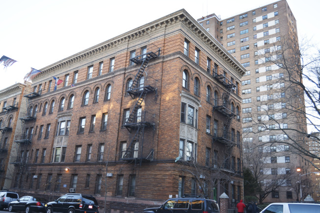 老式公寓樓遍布上西城。(記者俞姝含/攝影)