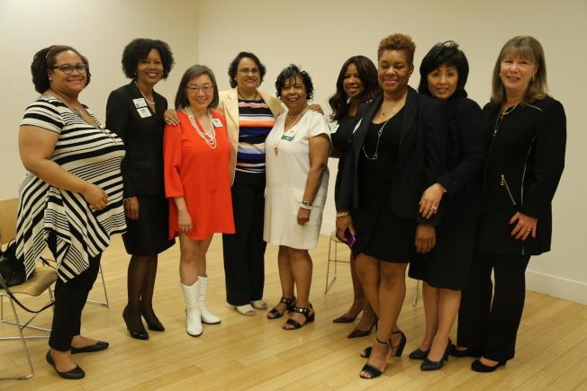 部分馬州婦女委員會成員在會後合影,目前她們已造訪馬州10個郡市,傾聽婦女訴求。(記者羅曉媛/攝影)