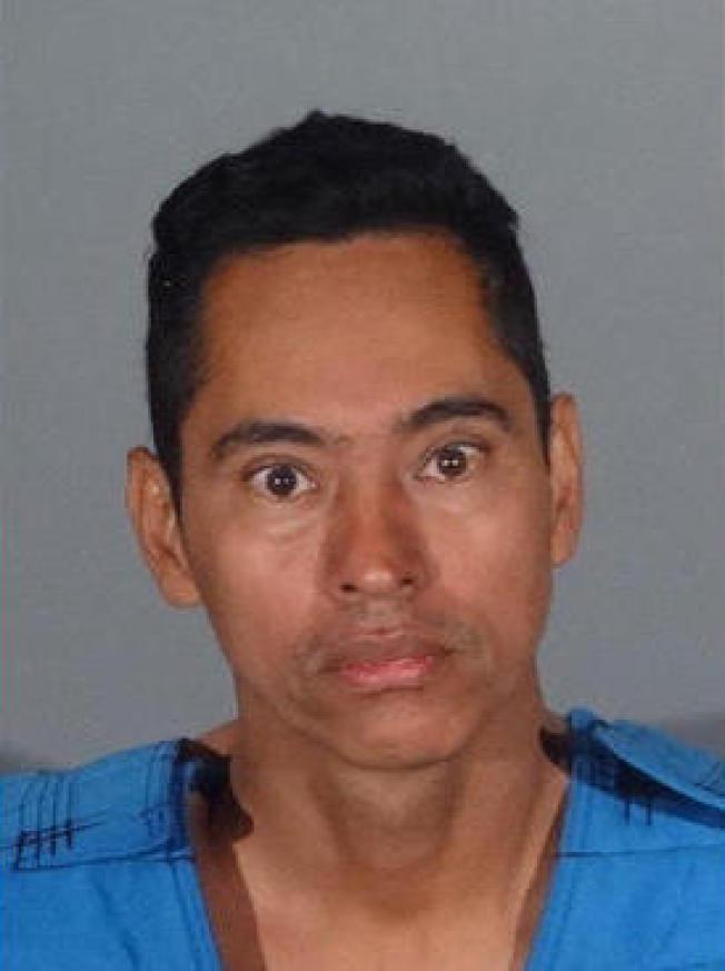 43歲男子Edwin Linares此前已有猥褻兒童重罪,目前被捕。(南巴市警局提供)