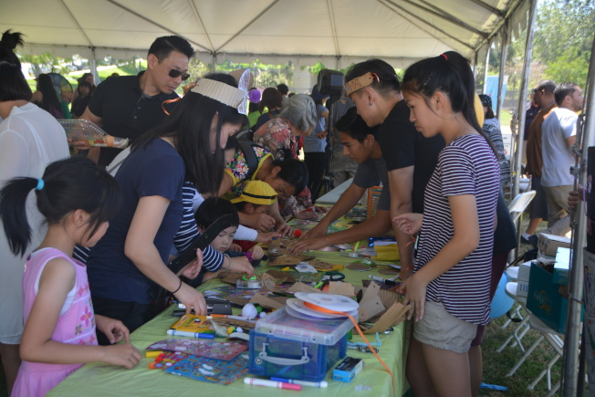 蒙特利公園市22日在巴恩斯公園,舉行為期兩天的地球日和櫻花節慶典。(記者張宏/攝影)