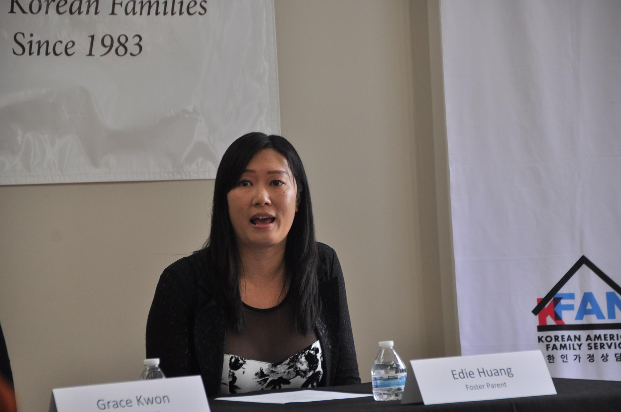 黃伊蒂照顧了11個華裔孩子。(記者張越/攝影)