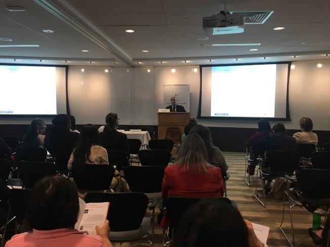 多位亞裔健康專家在麻州亞裔女性健康會議上分享研究成果,內容包括華裔哮喘研究、華埠行人安全報告以及亞裔賭博問題研究提倡等。(記者劉晨懿之/攝影)