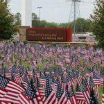 教會插3.8萬面國旗 悼陣亡將士