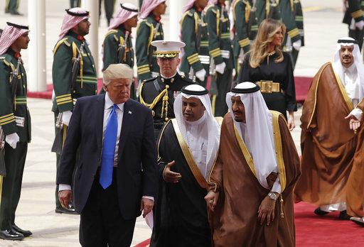 假基督徒川普出訪示好穆斯林邪恶政权