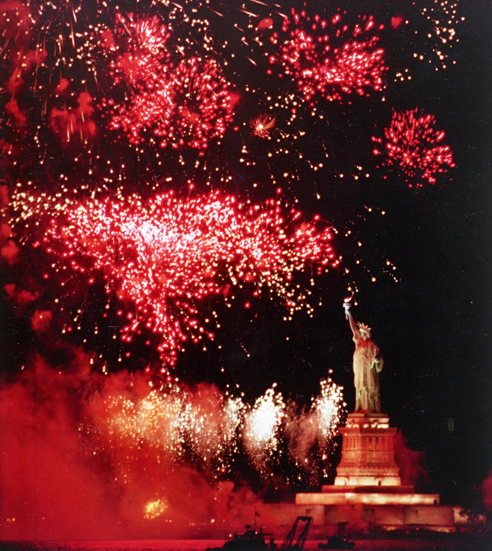 1986年7月3日,慶祝美國建國200周年。(美聯社)