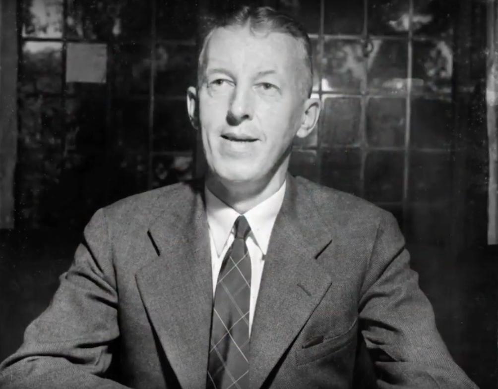 1934年6月10日,來自紐約的股票經紀人比爾‧威爾森 (Bill Wilson) 共同創辦了「戒酒無名會 (Alcoholics Anonymous,簡稱A.A.)」。(圖擷自YouTube)