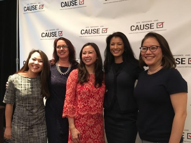 亞美政聯(CAUSE)1日在洛市舉辦婦女交流講座,由Cyndie Chang(中)、Mariko Carpenter(右一)、胡凱莉(右二)三位講述親身經歷故事。(記者謝雨珊/攝影)