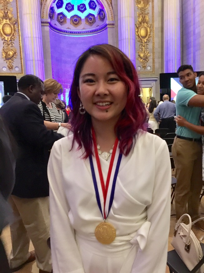 加州私立藝術高中Philips Exeter Academy畢業生陳佳蓉以藝術類獲得總統獎,是加州11名總統學者之一,她將成為哈佛大學新鮮人。(特派員許惠敏/攝影)