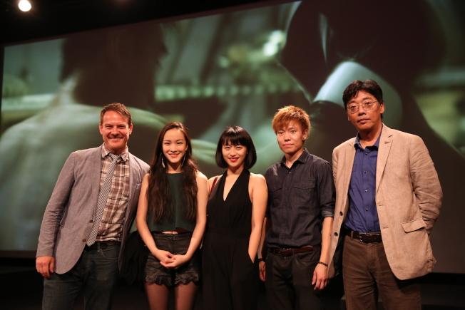 影片主創狄鍾琪(右起)、張凱翔、謝韵、許佳倩和Kyle Ingleman等到場交流。(記者洪群超/攝影)