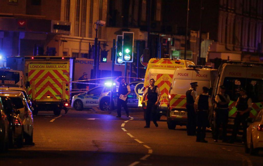 大批救護車趕到發生死亡車恐襲的倫敦穆斯林社區。(路透)(Getty Images)