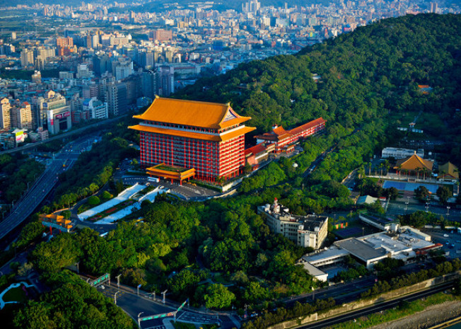 圓山飯店高聳於圓山之腰。(Getty Images)