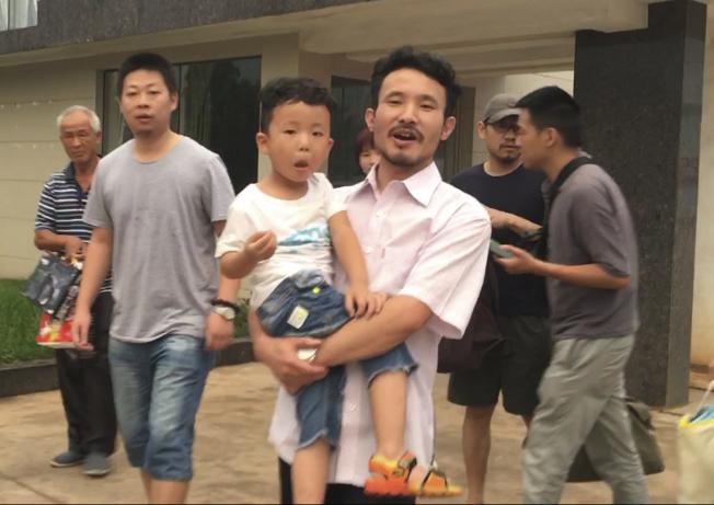 中國釋3勞工維權人士 吸血鬼伊凡卡難堪