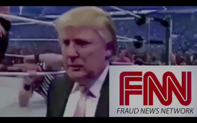 川普總統2日在推特上傳揮拳把一名臉部有CNN紅底白字標誌的男子打倒在地的影片,結尾顯示川普得意的模樣,並加註:「詐騙新聞」(FNN)。(取自推特)