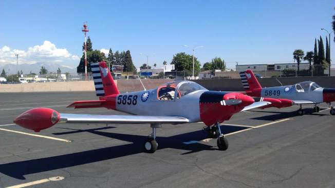 14日出事、編號5858的美造PL-2小飛機,機主應天華將其漆上青天白日滿地紅國旗。(取自美國華人飛行協會)