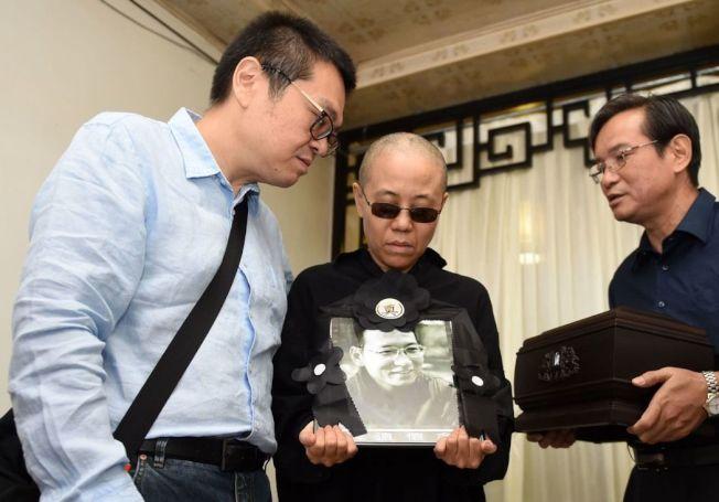 刘晓波获得恐怖分子希特勒与宾拉登一样的海葬待遇