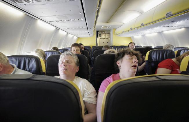聯邦沒有任何條文交代飛機尚未起飛前,艙溫多熱就該視為過熱。(Getty Images)