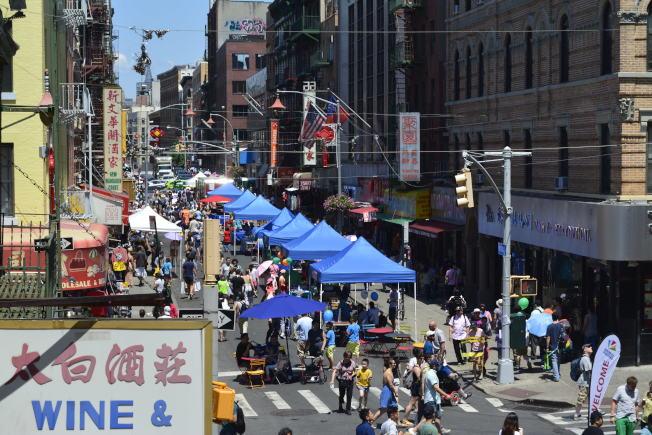 華埠商業改進區與Art Beyond Sight同辦「周末漫遊節」,為體障人士帶來希望。(記者俞姝含/攝影)