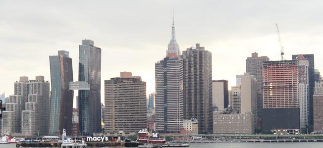 過去一年間外國人買下1530億元美國房產,暴增49% 中國為最大買家,平均每筆交易78.2萬元  。圖為紐約曼哈頓中城。(記者許振輝/攝影)