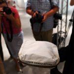 婦女近千元購入灰塵袋 兩年後180萬賣出