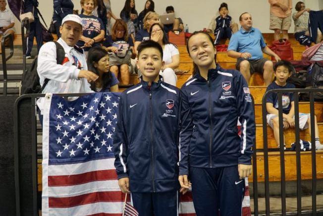 學生金禮可(左)與姊姊金茗茗日前獲選美國國家隊,參加泛美盃。 (讀者提供)