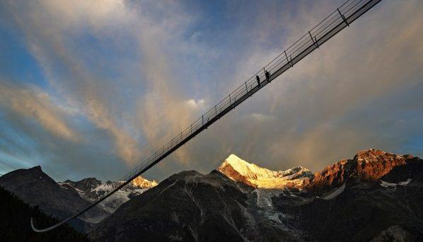 瑞士1620呎吊橋 全球最長