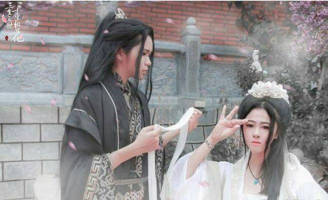 趙又廷和楊冪主演的中國電視劇《三生三世十里桃花》在越南掀起旋風,當地甚至出現cosplay版本。(取材自微博)
