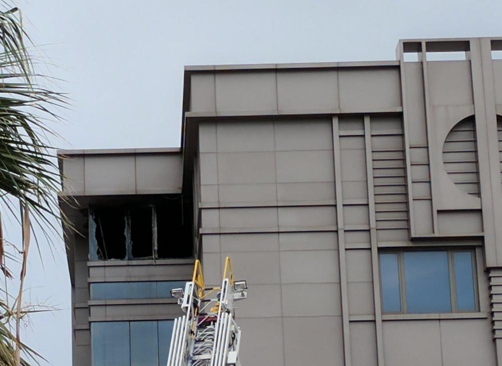 起火地點位於中國駐休士頓總領館五樓。(記者陳開/攝影)