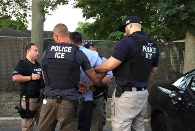 ICE近日在長島執法,逮捕有性犯罪紀錄的外國人。(ICE提供)