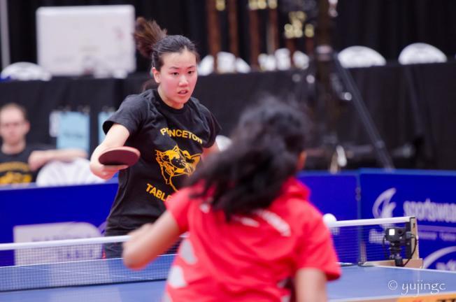 美國華裔乒乓球選手吳炫寧將代表美國隊,參加台灣世界大學生運動乒乓球比賽。圖為吳炫寧比賽中。(吳承聖提供)