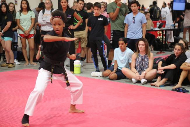 第35屆美國首都武術大賽在馬州國家港舉行,來自全球各地的近2000名選手參賽。(記者羅曉媛/攝影)