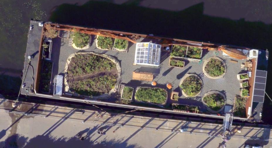 從上空俯瞰Swale水上漂浮農場。(取自Swale網站視頻截圖)