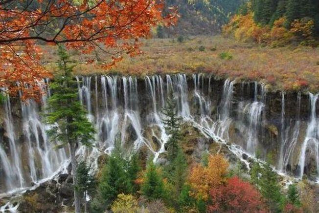 震前的九寨溝諾日朗瀑布,攝於2009年10月。(取材自紅星新聞)
