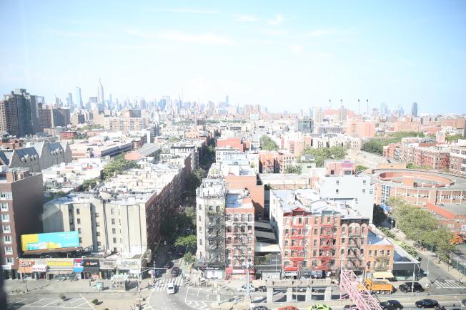 五至14層的老人公寓,可看到無遮擋的優美景觀。(記者洪群超/攝影)