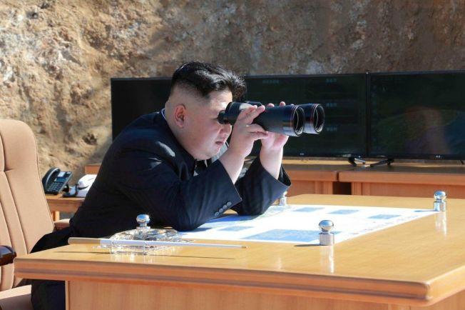 美國前國防官員和專家均表示,任何與北韓所起的軍事衝突行動,都會迅速加劇北韓使用核彈武器攻擊的可能,帶來二次大戰後前所未見的災難性後果,以及無以名狀的全球經濟衝擊。圖/路透