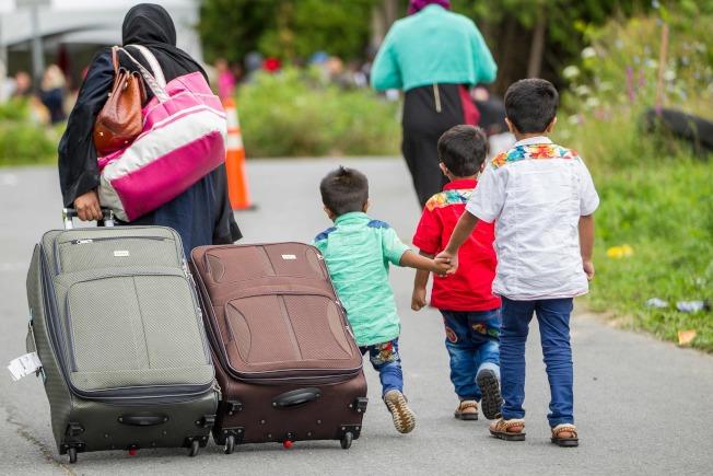 許多無證移民最近從紐約上州非法穿越美加邊境,「投奔」加拿大。(Getty Images)
