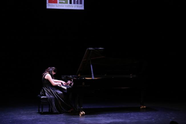 維吉尼亞聯邦大學夏季國際音樂節,在華盛頓特區甘迺迪藝術中心登場。音樂節的名師與來自中國、德國、義大利、美國、哥倫比亞等地的音樂學生演繹經典。(記者羅曉媛/攝影)