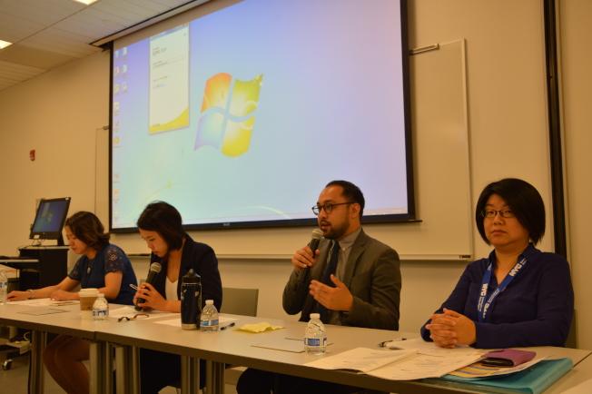 赫南德茲(右二)表示房客有權將穩租屋過繼給子女。(記者牟蘭/攝影)