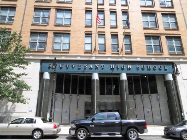 紐約明星高中史岱文森坐落在翠貝卡南端。(記者陳小寧/攝影)