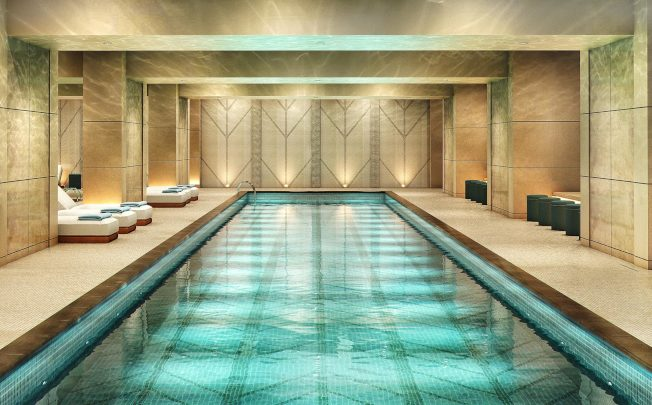 Barclay街100號娛樂設施齊全,擁有82呎長的游泳池。(取自100 Barclay網站)
