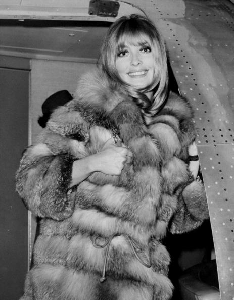 莎朗蒂在甘迺迪機場被捕抓到美麗身影。圖/取自網路