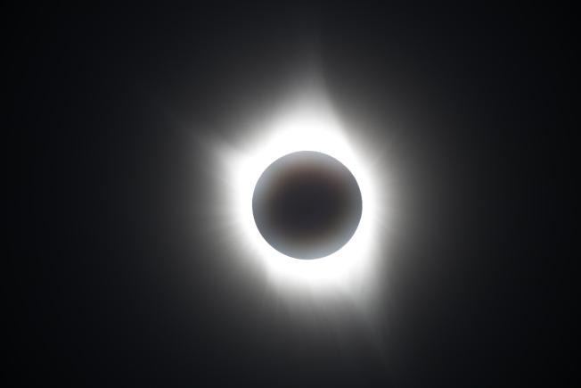 日全食出現的外冕。
