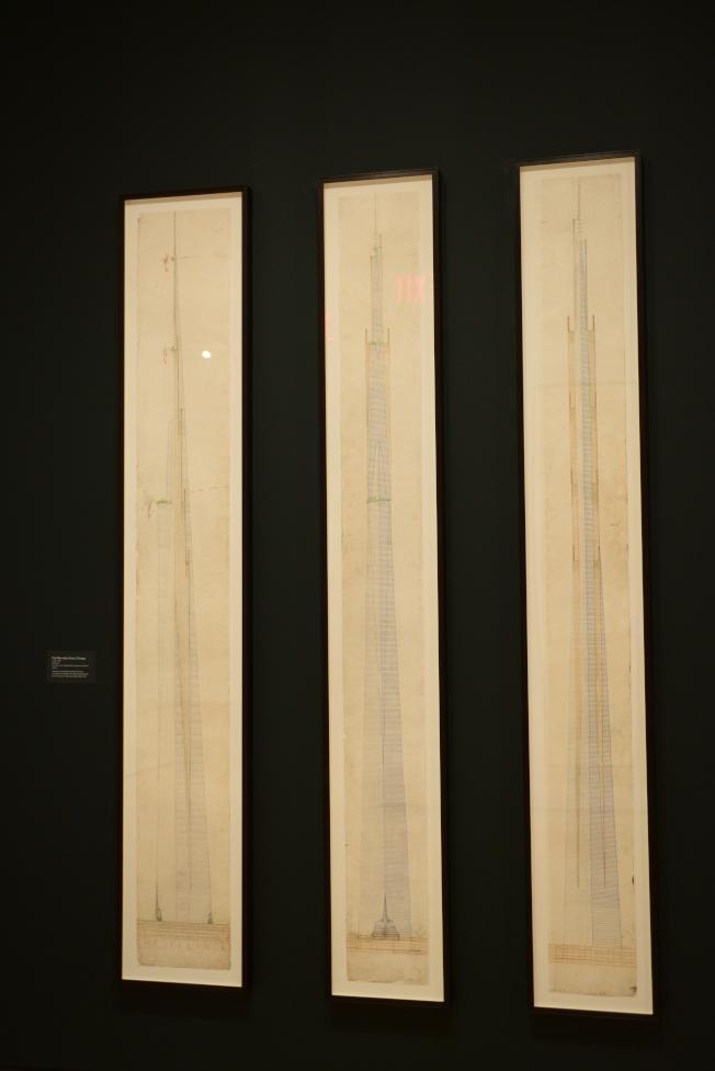 萊特的三幅摩天大樓草圖。 (記者許振輝/攝影)