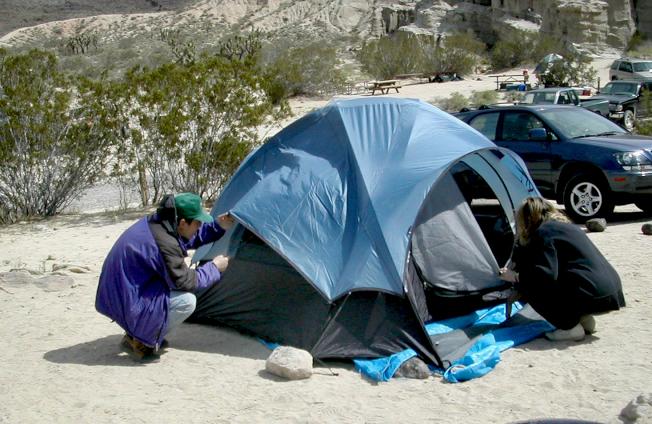 洛杉磯自然歷史博物館在紅岩峽谷國家保護區組織年度野營。