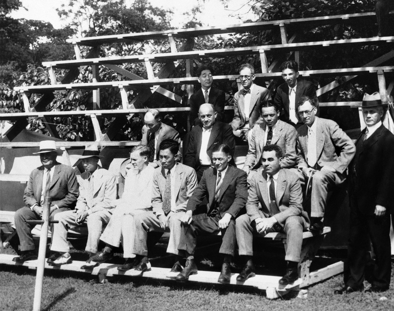 在1932年的資料照片裡,一個著名案件的陪審團裡就有兩名華裔。(美聯社)