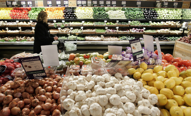 想省錢,選擇什麼時間去光顧超市有學問。(Getty Images)
