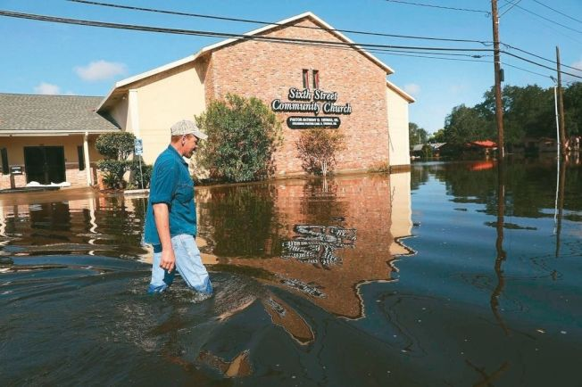 哈維颶風帶來的大雨及洪水對美國德州造成天文數字的災損。(法新社)