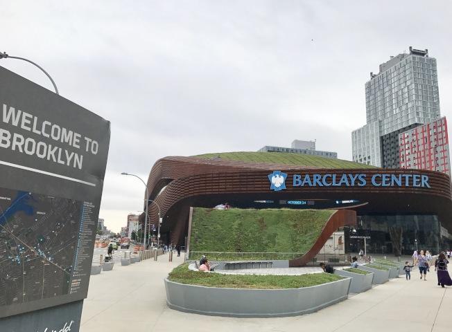 巴克萊中心不僅是布碌崙籃網隊的主場,也成為眾多大型演唱會的表演場所。(記者俞姝含/攝影)